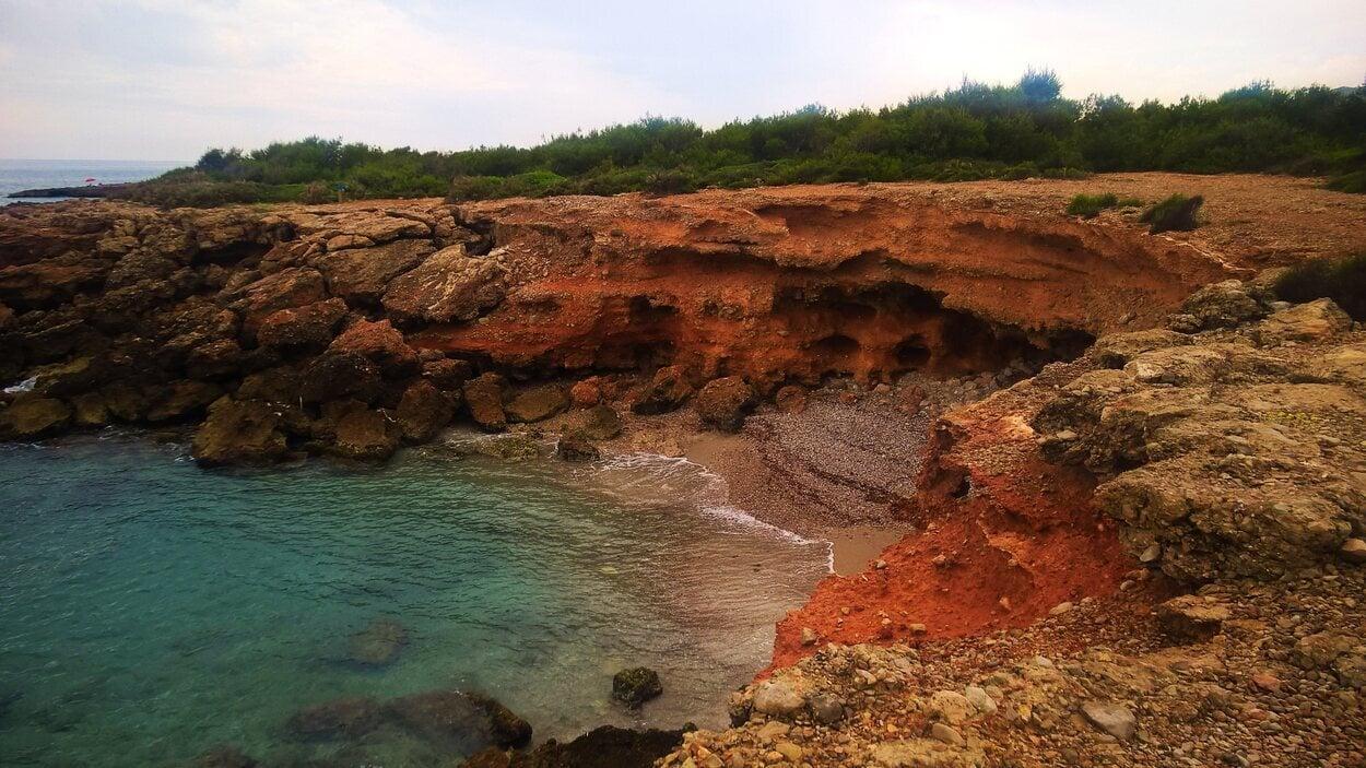 Playa Irta es uno de los lugares más pequeños de PEñíscola