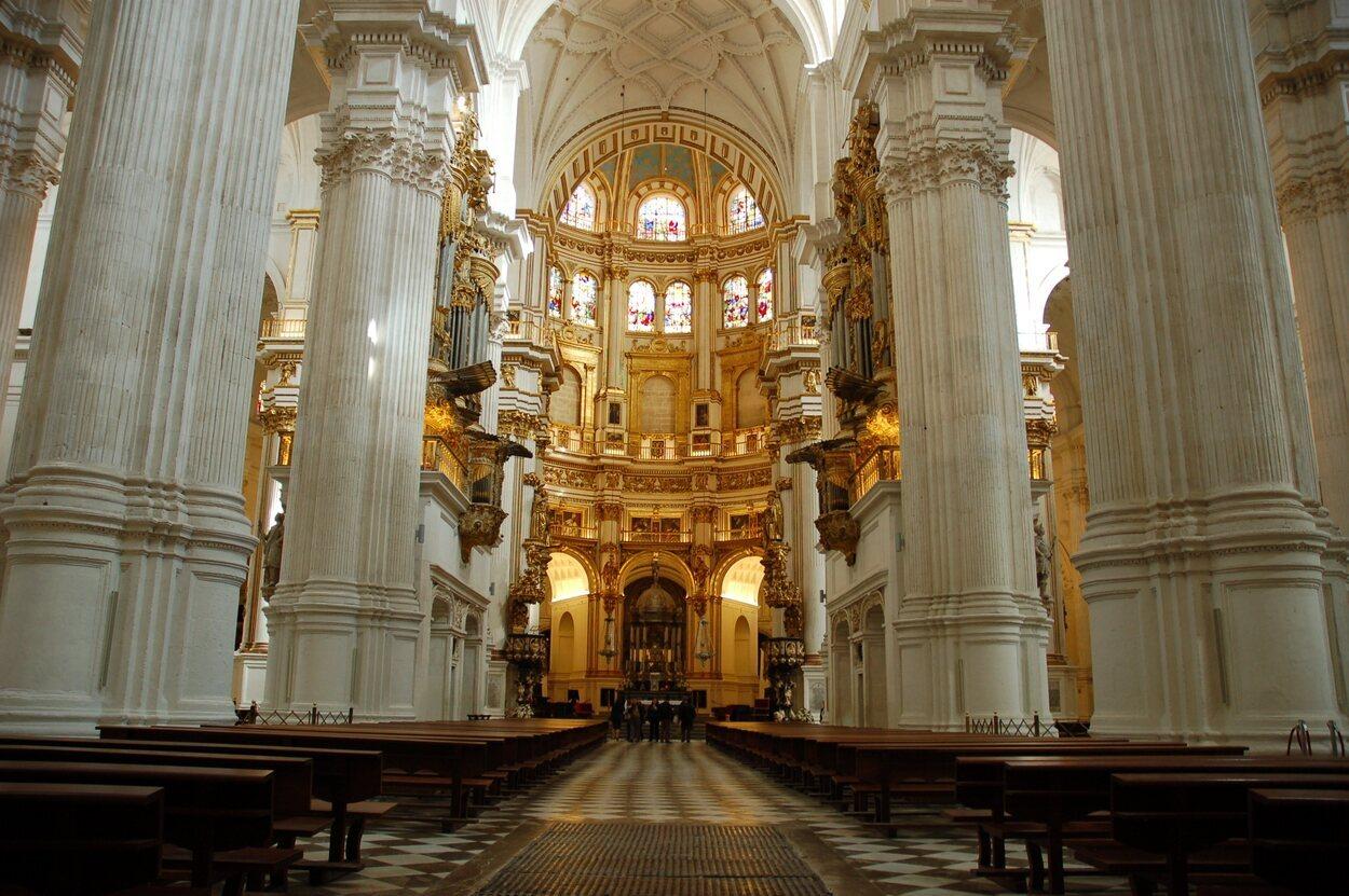El cuerpo de la Emperatriz Isabel estuvo enterrado en la Catedral