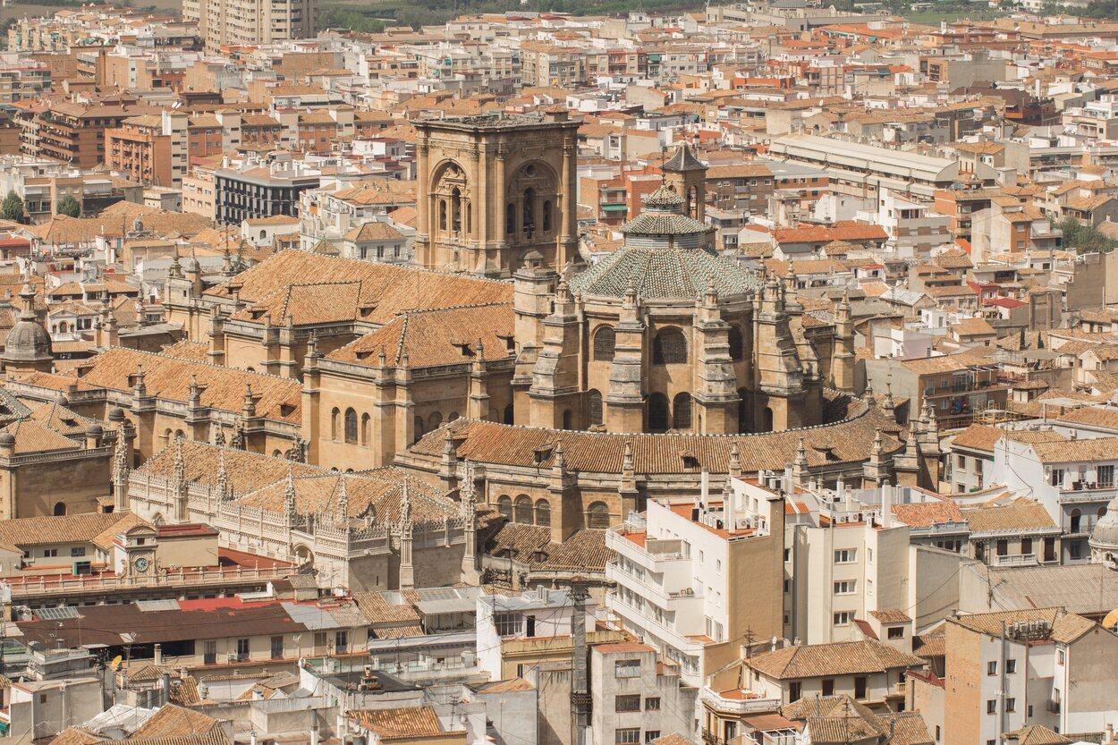 Los Reyes Católicos fueron los que ordenaron construir la Catedral