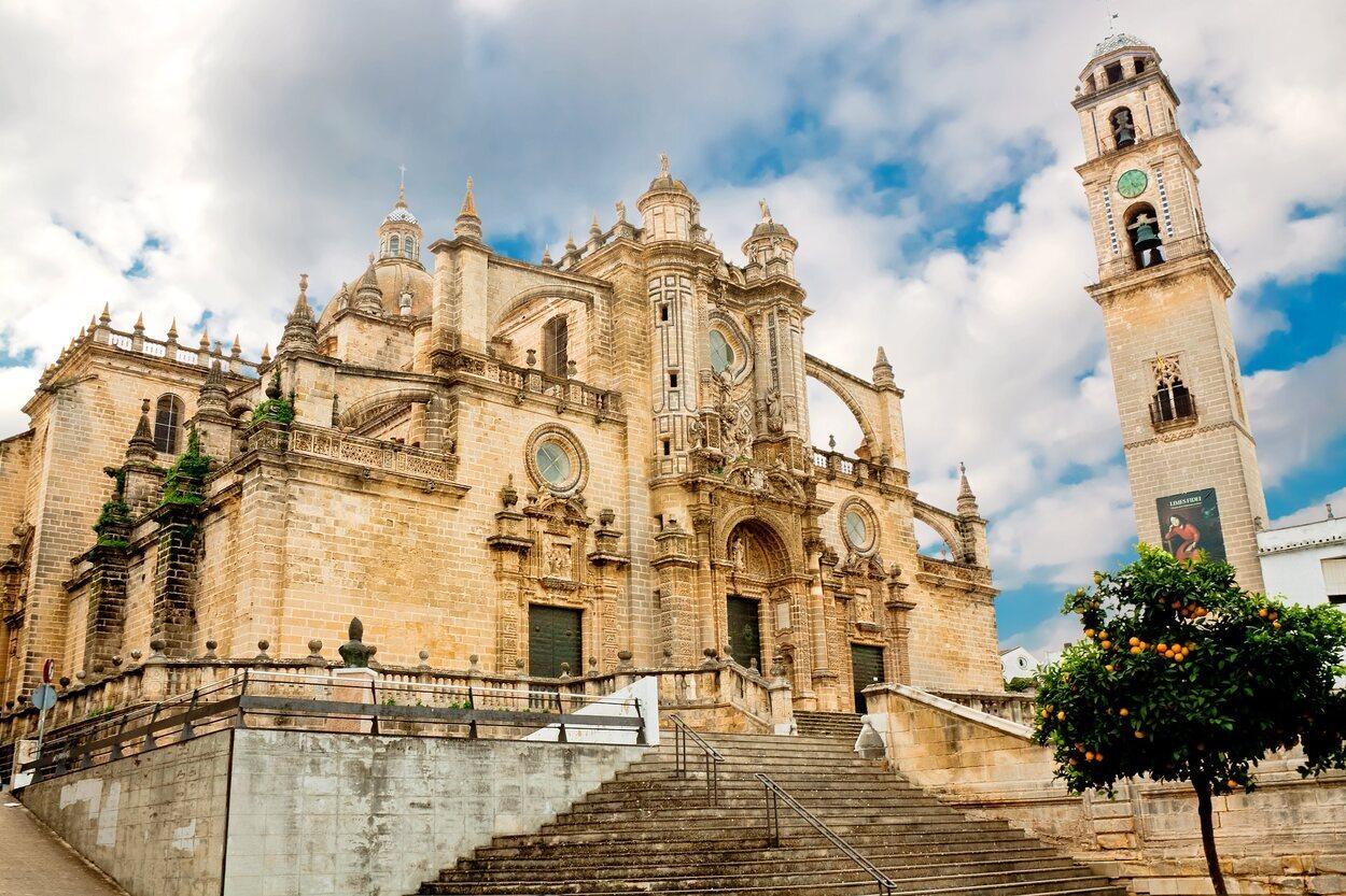 La catedral de Jerez de la Frontera fue construida gracias a una iglesia del S. XII