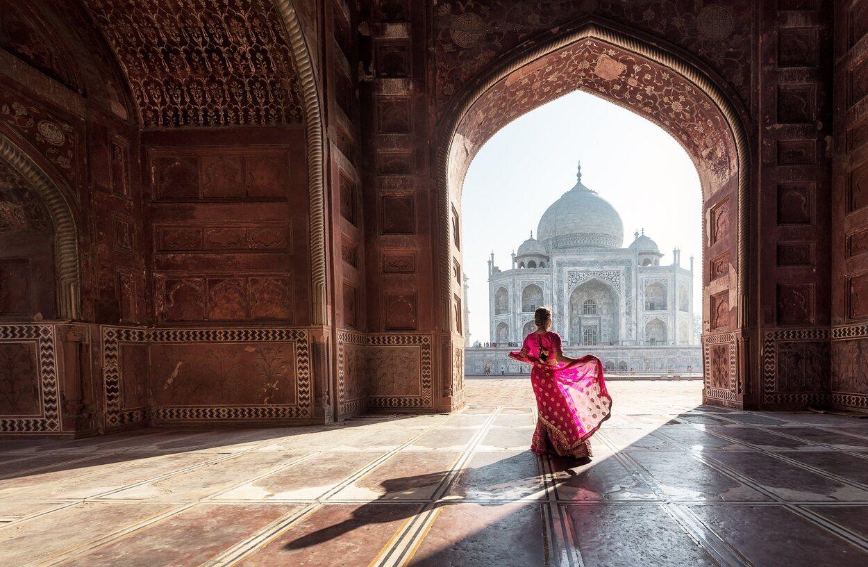El Taj Mahal es un monumento funerario construido en 1631
