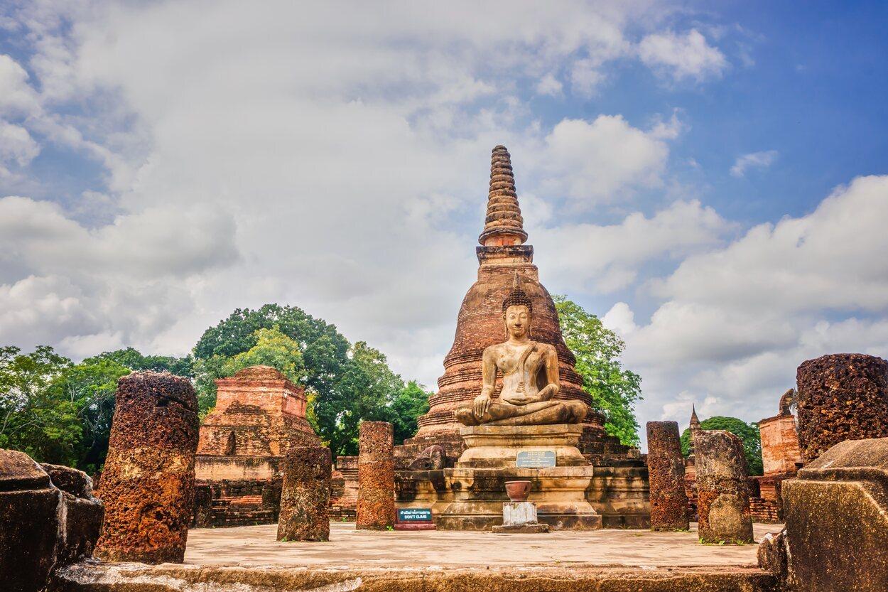 En estas ruinas se puede encontrar el monumento al Rey Ramkhamhaeng
