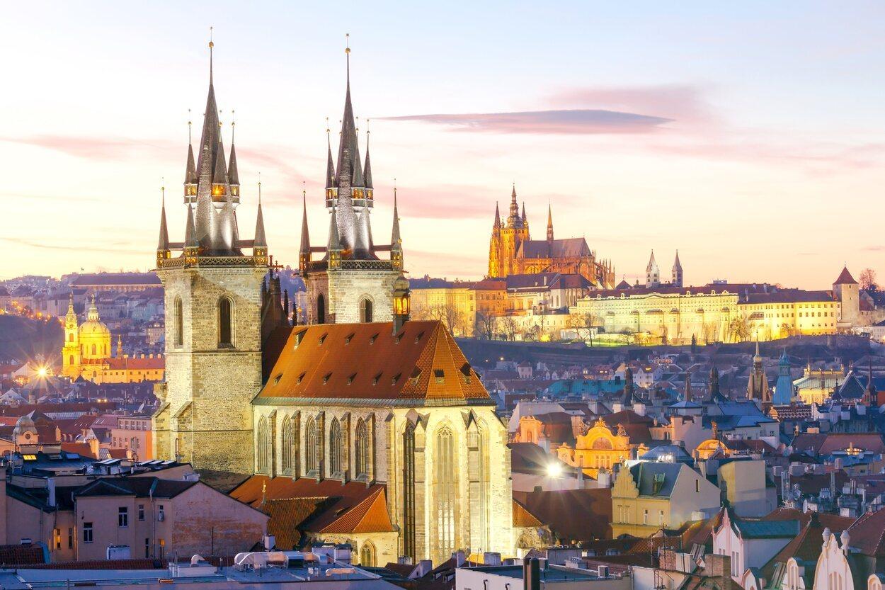 Si vas a Praga en invierno, debes llevar ropa de abrigo