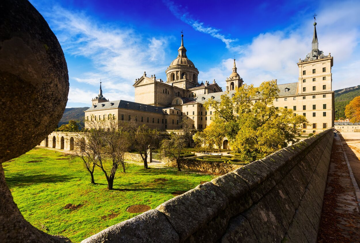 Vistas del monasterio de El Escorial desde el exterior