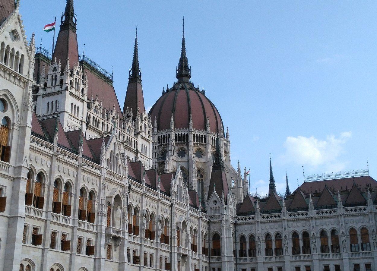 Detalle de la cúpula del parlamento, uno de los elementos más destacados