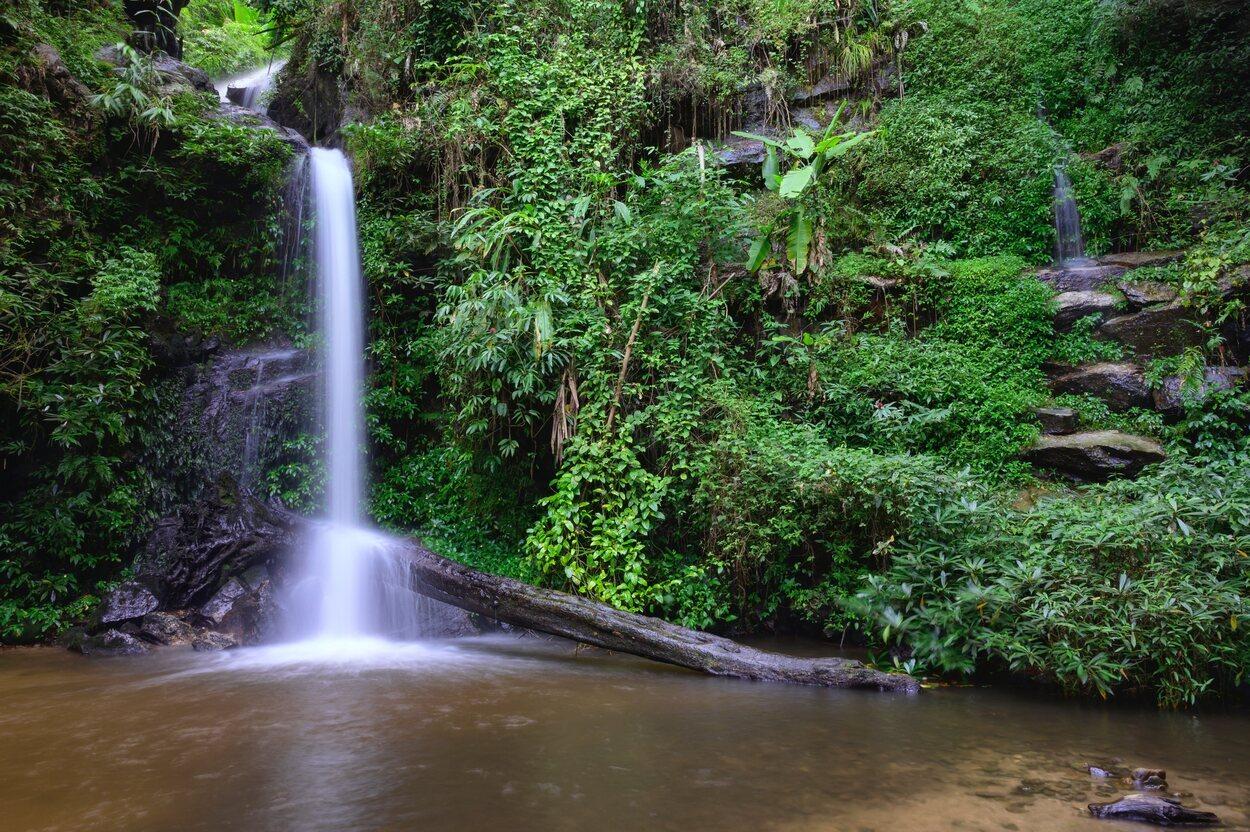 Las cascadas de Mon Tha Tha son una gran opción de turismo natural