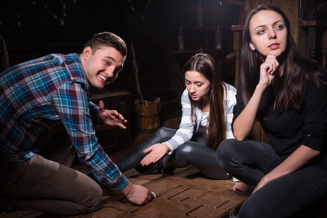 El escape room es una de las mejores actividades para hacer con amigos