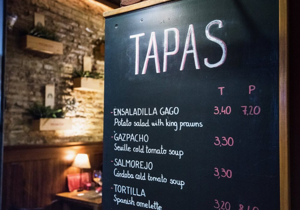 En Madrid se pueden encontrar multitud de bares de todo tipo, incluidos aquellos donde se sirven tapas