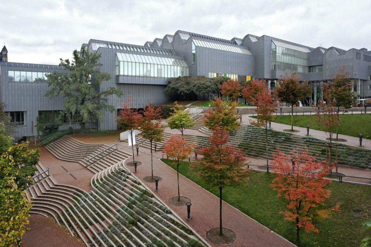 En el Museo Ludwig se puede encontrar arte modernista y contemporáneo