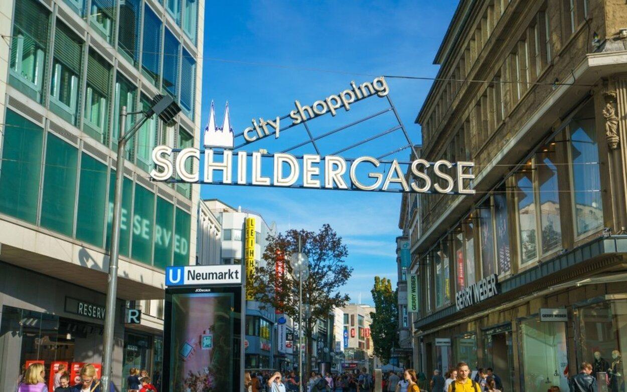 Schildergasse es la call comercial de Colonia por excelencia