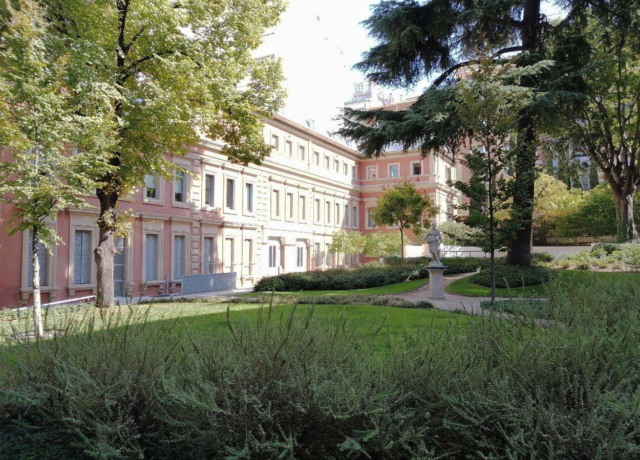 Tranquilos jardines rodean el Parque Florido, sede del museo