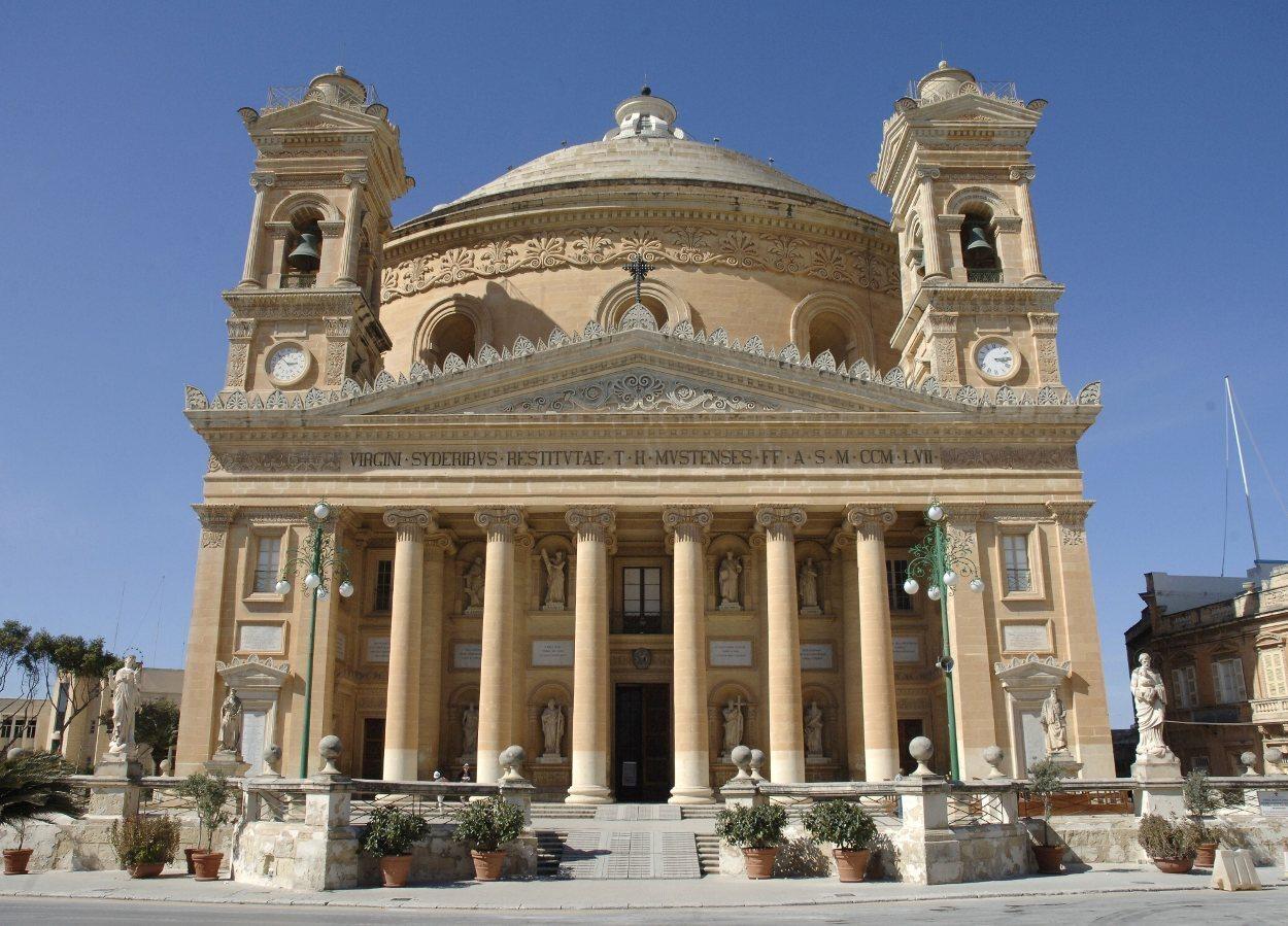 La iglesia de Mosta es circular y se conoce popularmente como Rotonda de Mosta