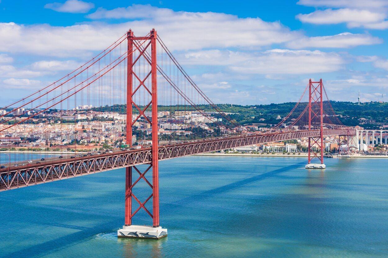 Vista general del Puente 25 de Abril