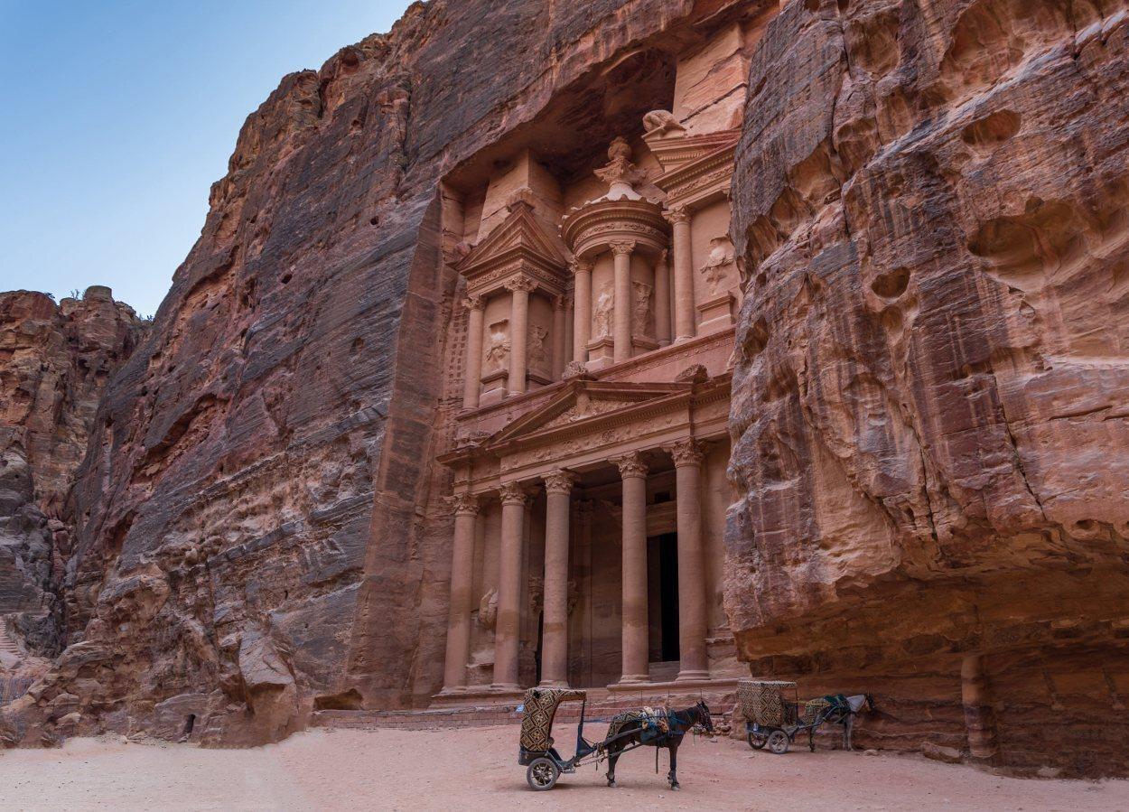 El Tesoro es el principal monumento de Petra