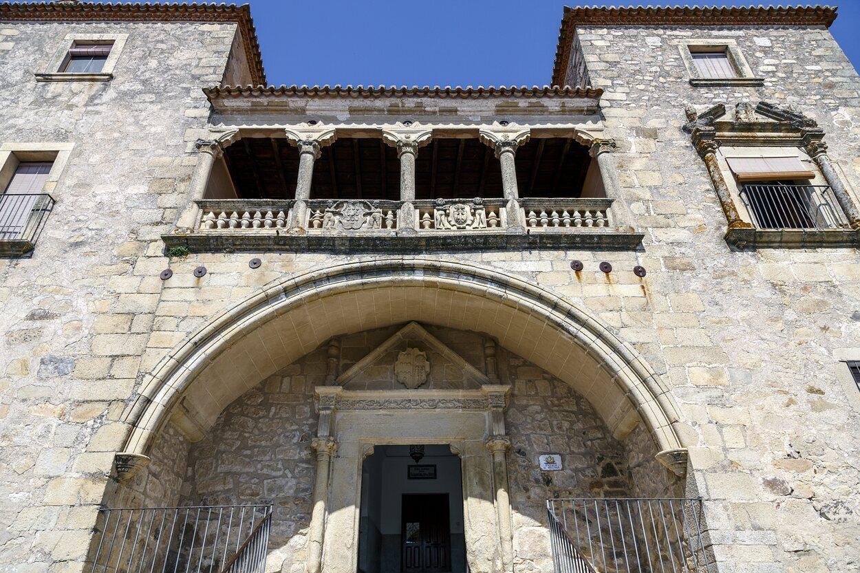Fachada del Palacio de Juan Pizarro de Orellana