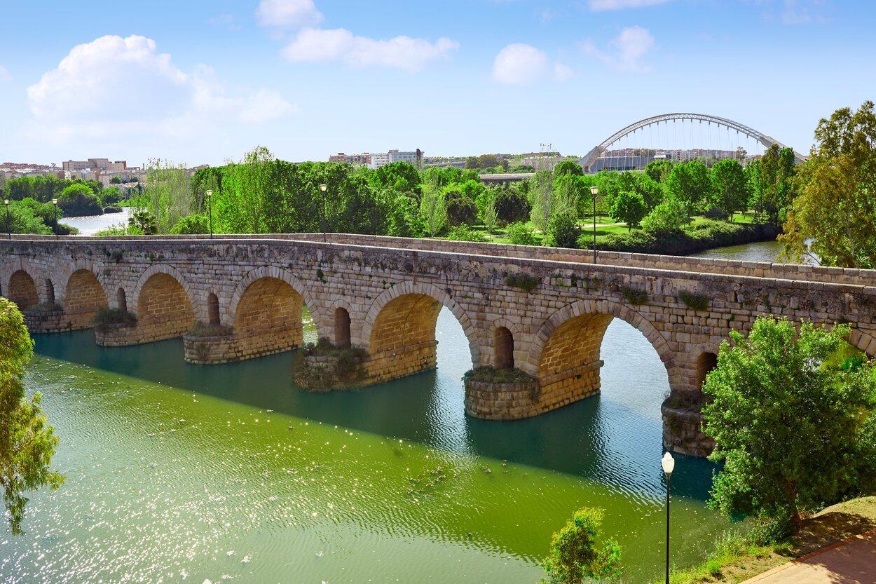 Este puente es uno de los más antiguos de la península