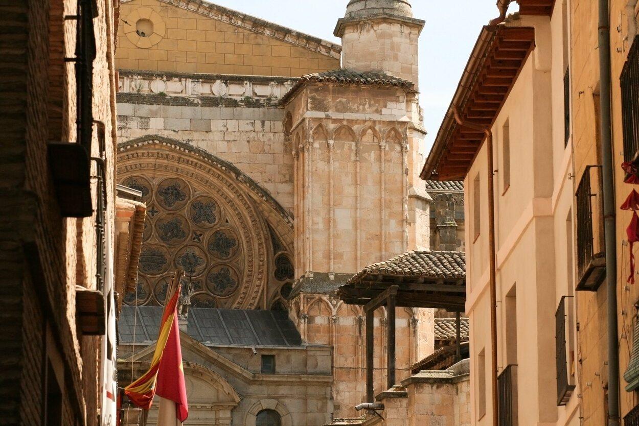 Vista de los tejados y fachadas de Toledo
