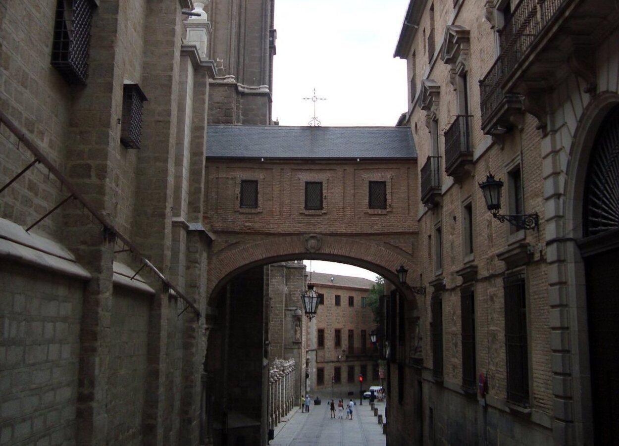 Vistas del pasadizo que une la catedral con el palacio arzobispal
