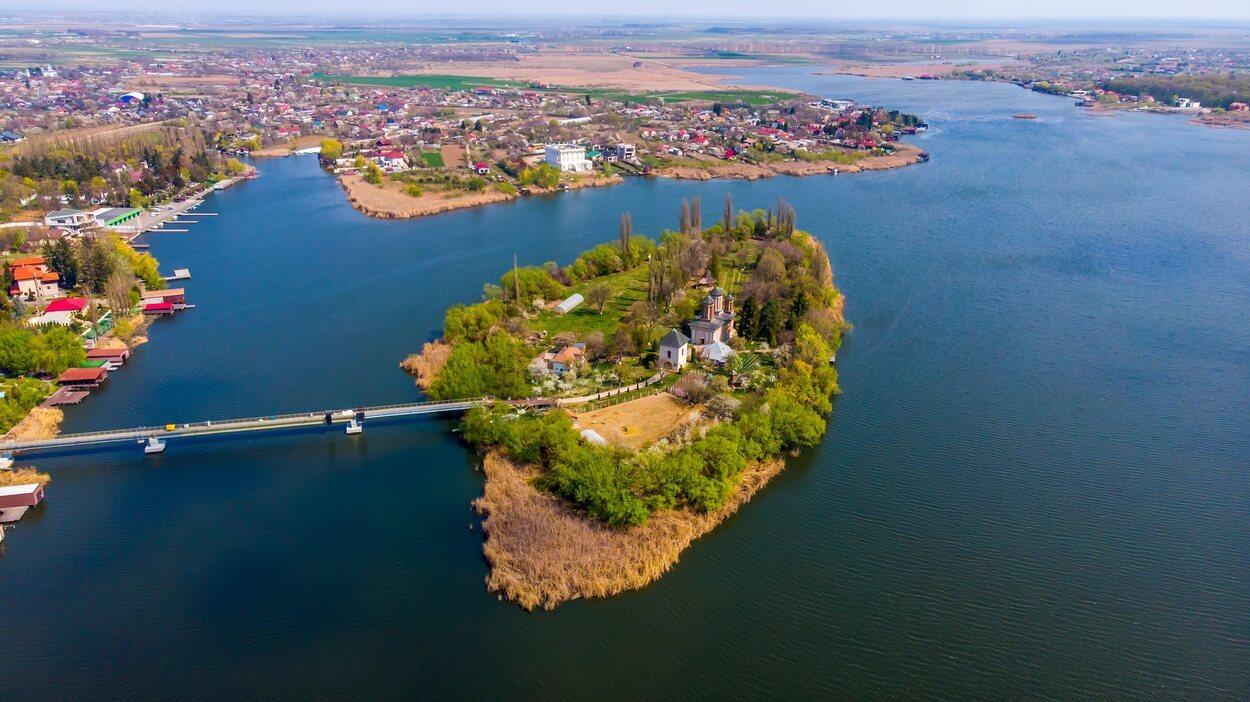 Vista panorámica del lago Snagov