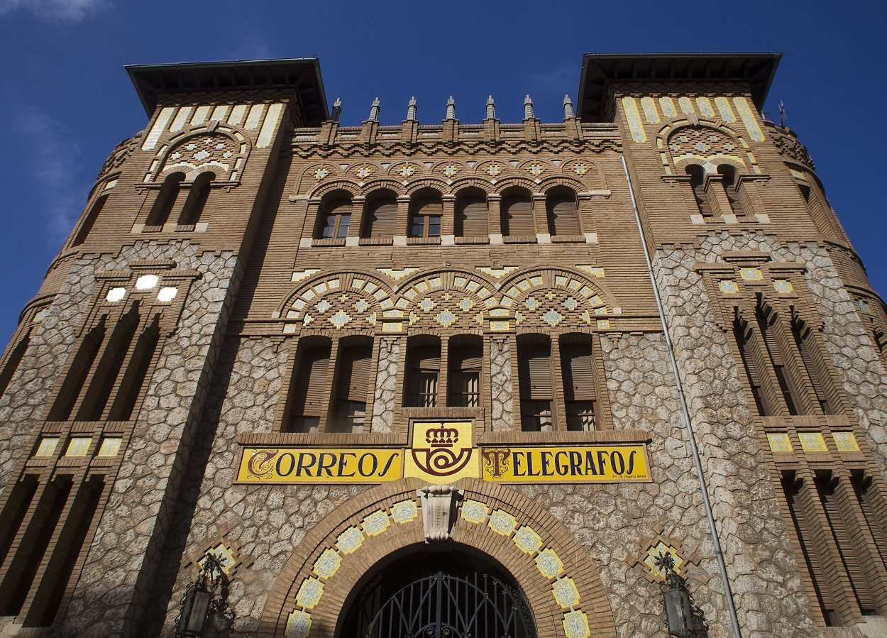 Fachada del edificio de Correos y Telégrafos de Castellón de la Plana