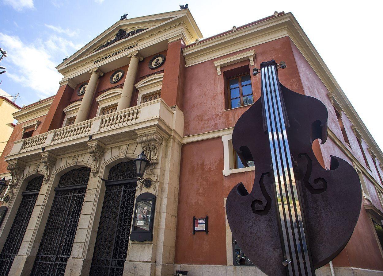 El Teatro Principal es un edificio neoclásico de Castellón de la Plana