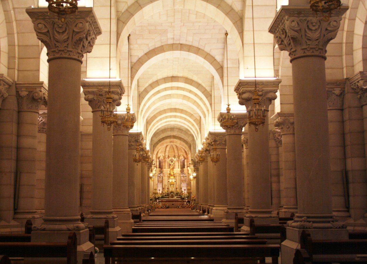 La Cripta de la Almudena está sostenida por más de 400 columnas