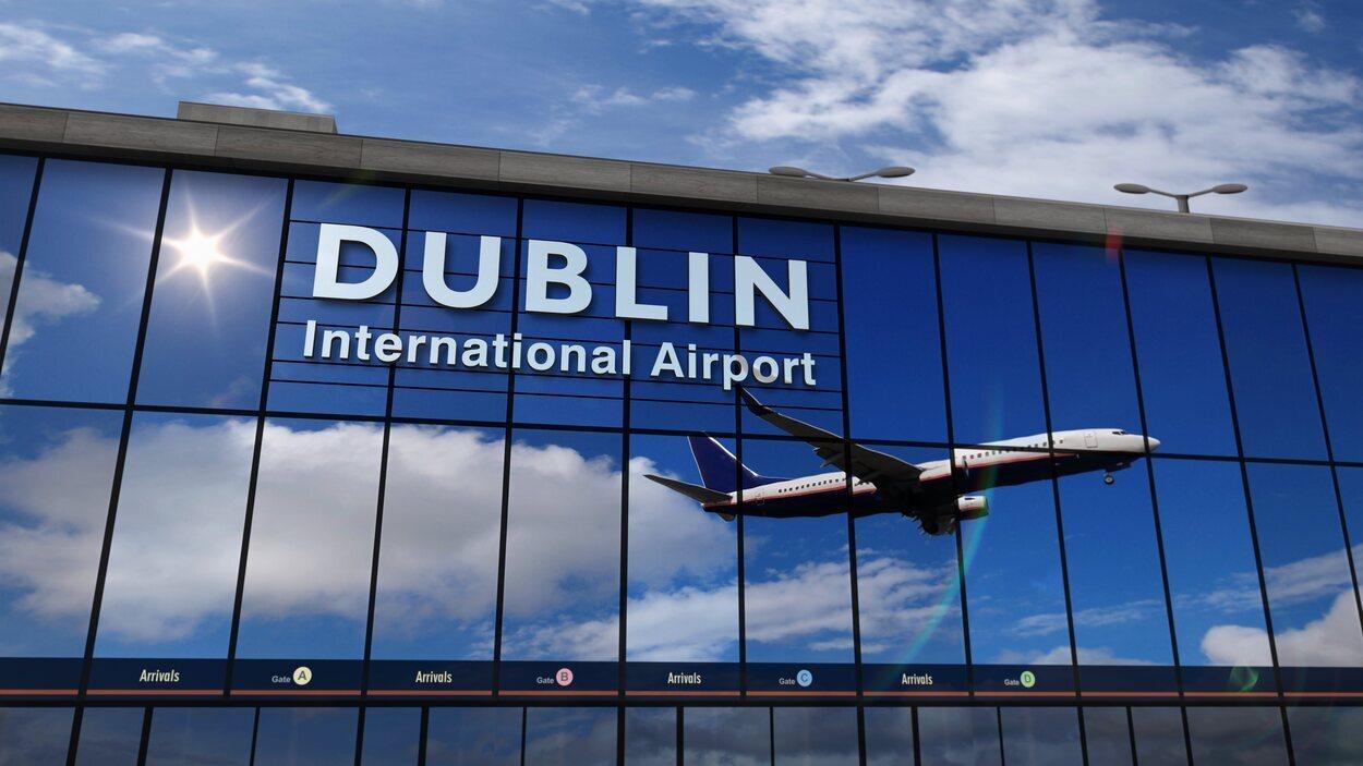 El Aeropuerto de Dublín se encuentra en la zona norte de la capital, concretamente en Collinstown, Fingal