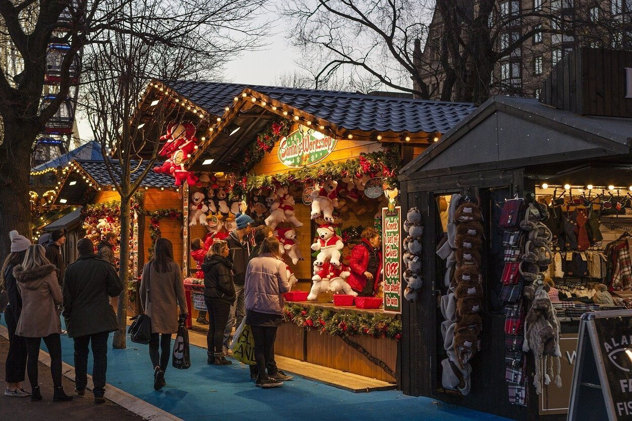 En Reino Unido existen muchos mercadillos navideños para disfrutar del ambiente