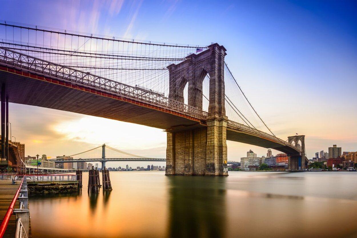 El Puente de Brooklyn es mundialmente conocido por su importancia