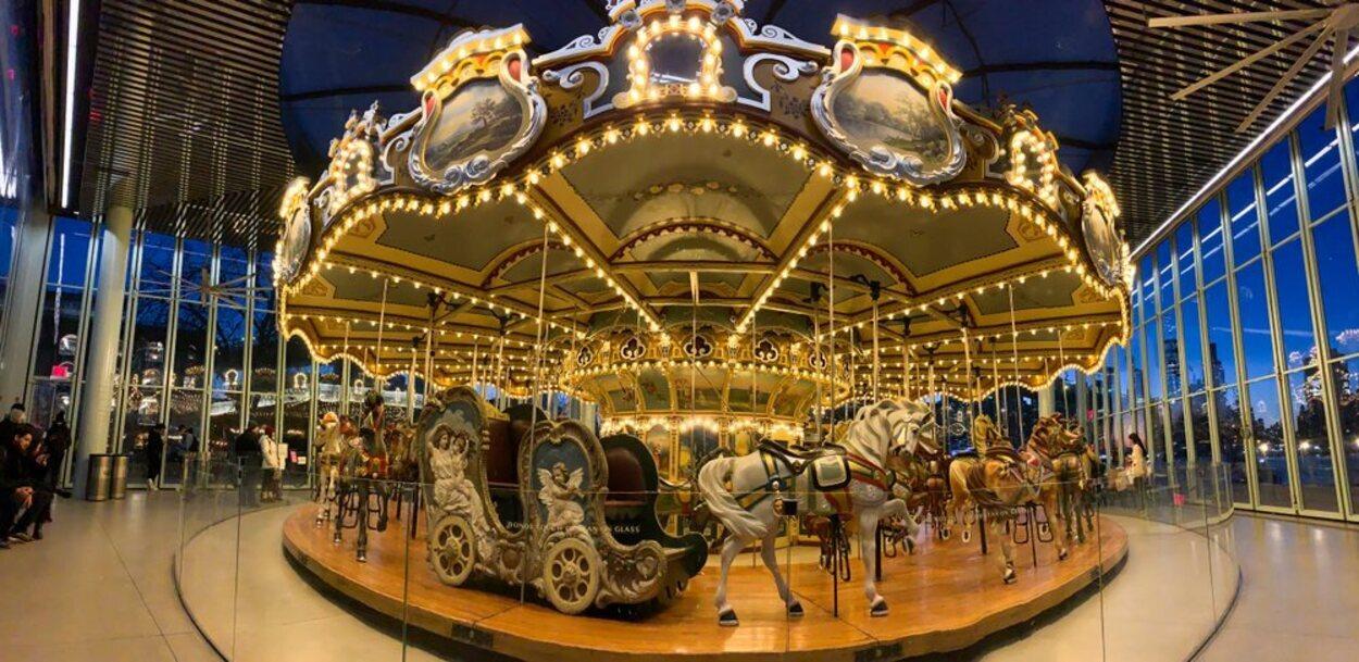 El Jane's Carrousel es un mítico tiovivo del lugar