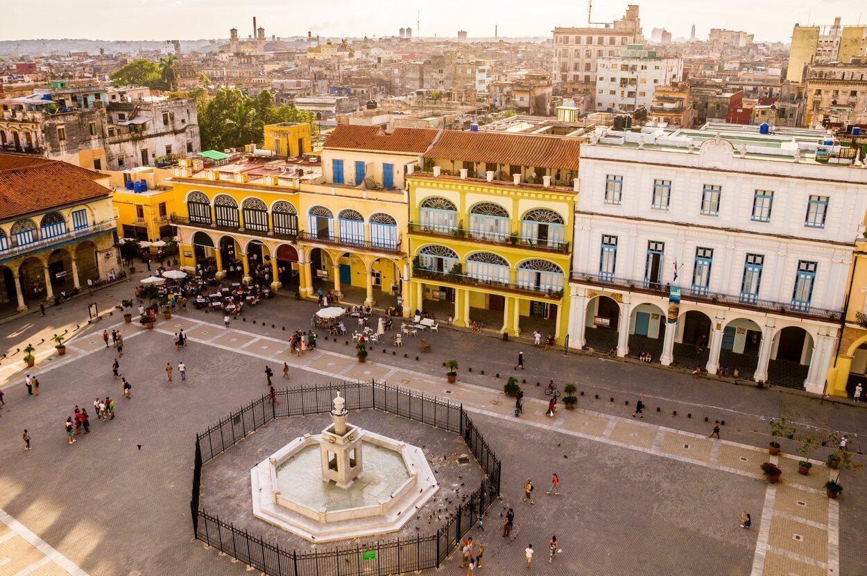 Plaza Vieja: una de las plazas más famosas de La Habana
