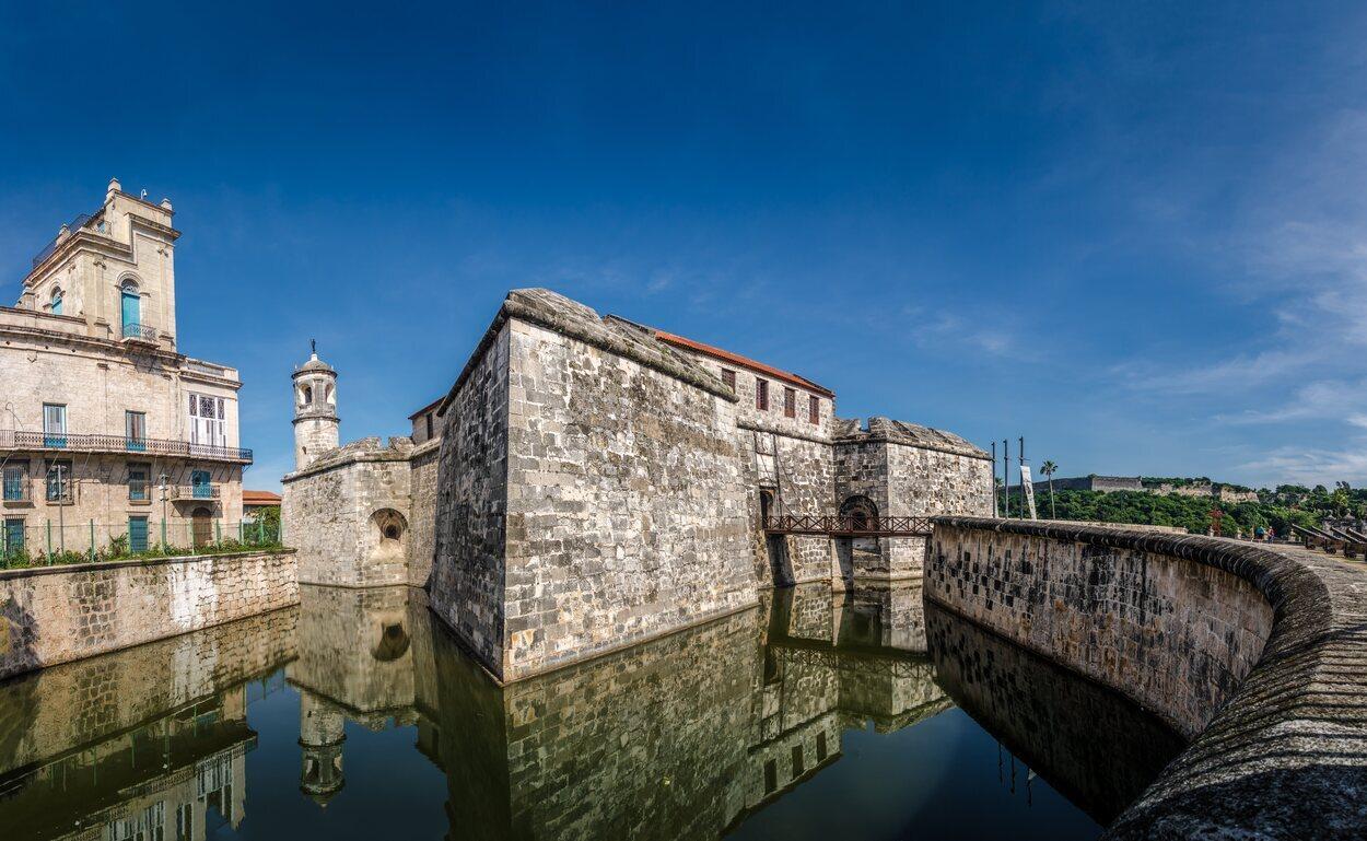 Fosa del castillo de la Real Fuerza de La Habana