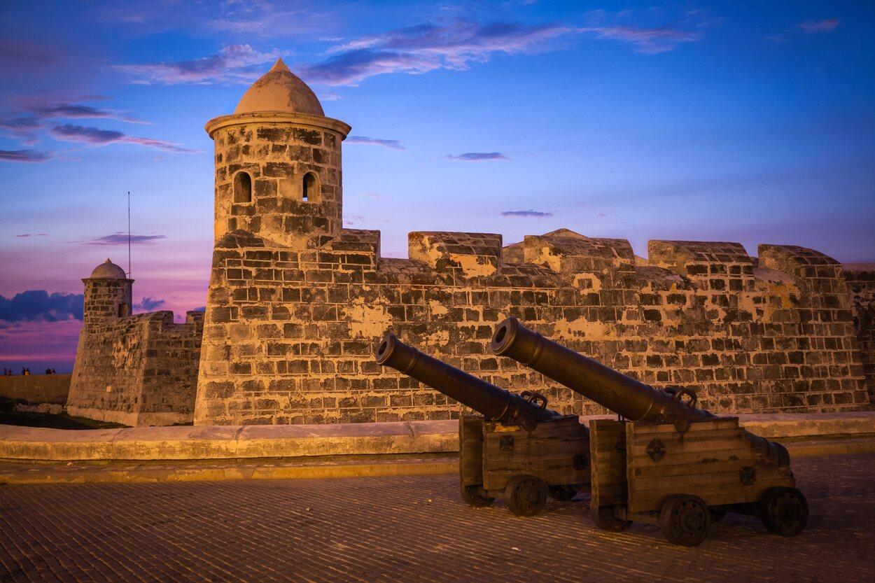 Castillo de San Salvador de la Punta al atardecer