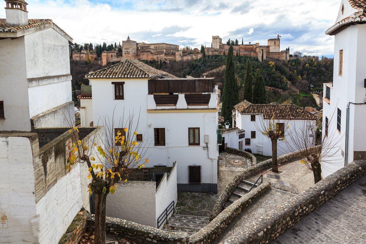 El Barrio de la Albaicín es una de las visitas obligadas de Granada