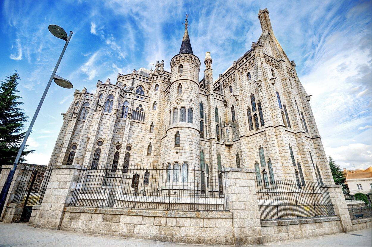 Fachada del palacio de Astorga