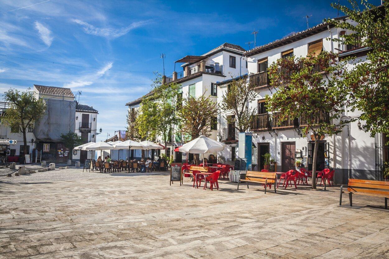 Hay bares especializados en todo tipo de opciones: pescado, carne, comida mediterránea, vegetarianos...
