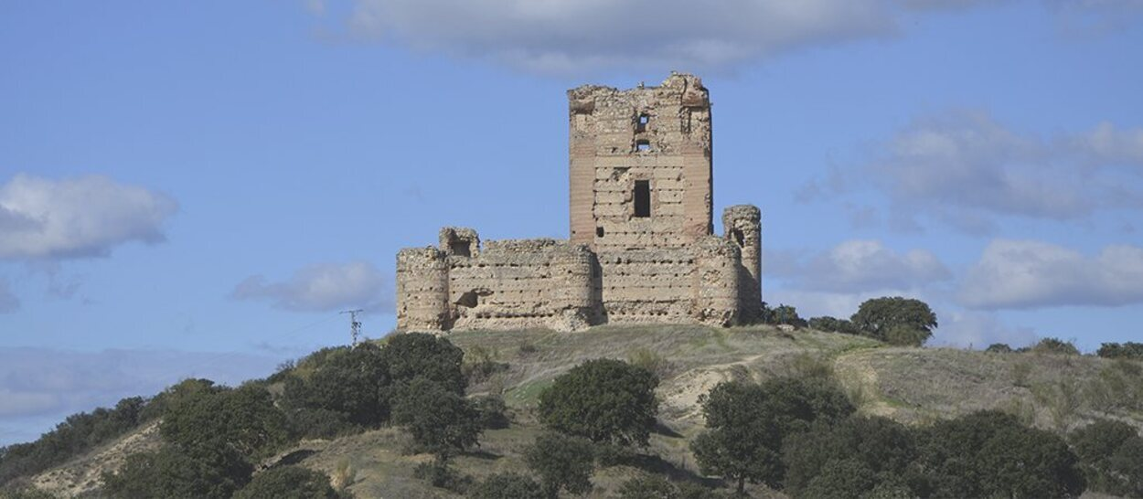 El Castillo de Aulencia está en ruinas porque fue atacado por el bando franquista | Foto: Turismo Ayuntamiento Villanueva de la Cañada
