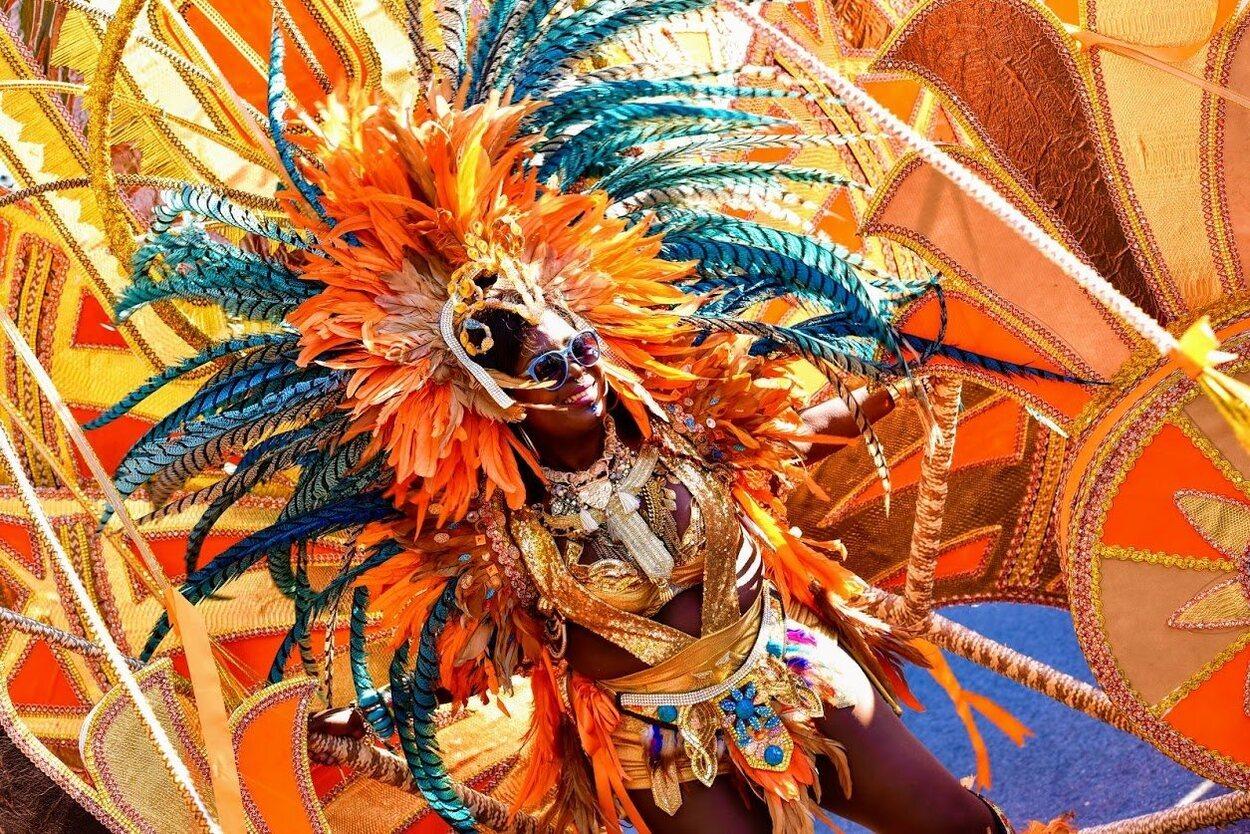 Este carnaval es una oportunidad para que los turistas conozcan la forma de vivir en la isla