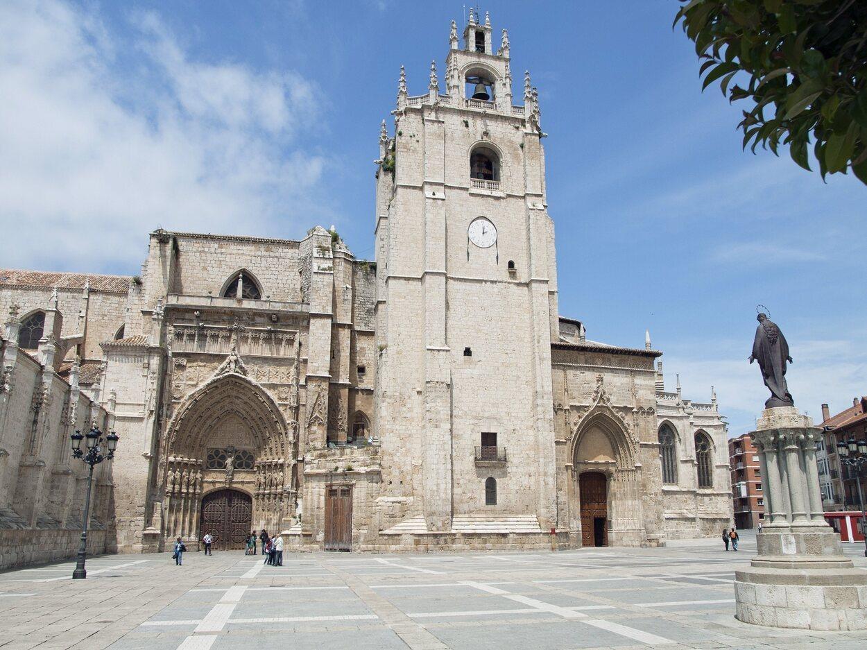 La catedral de Palencia tiene una arquitectura muy sobria